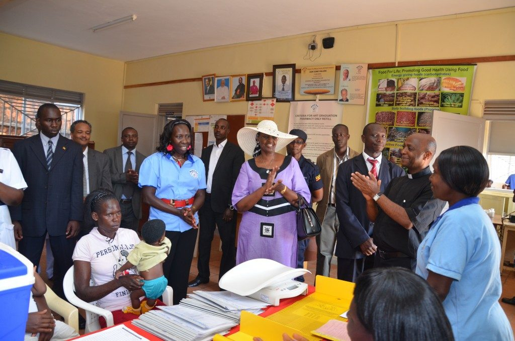 First Lady of Uganda visits ROM, expresses gratitude