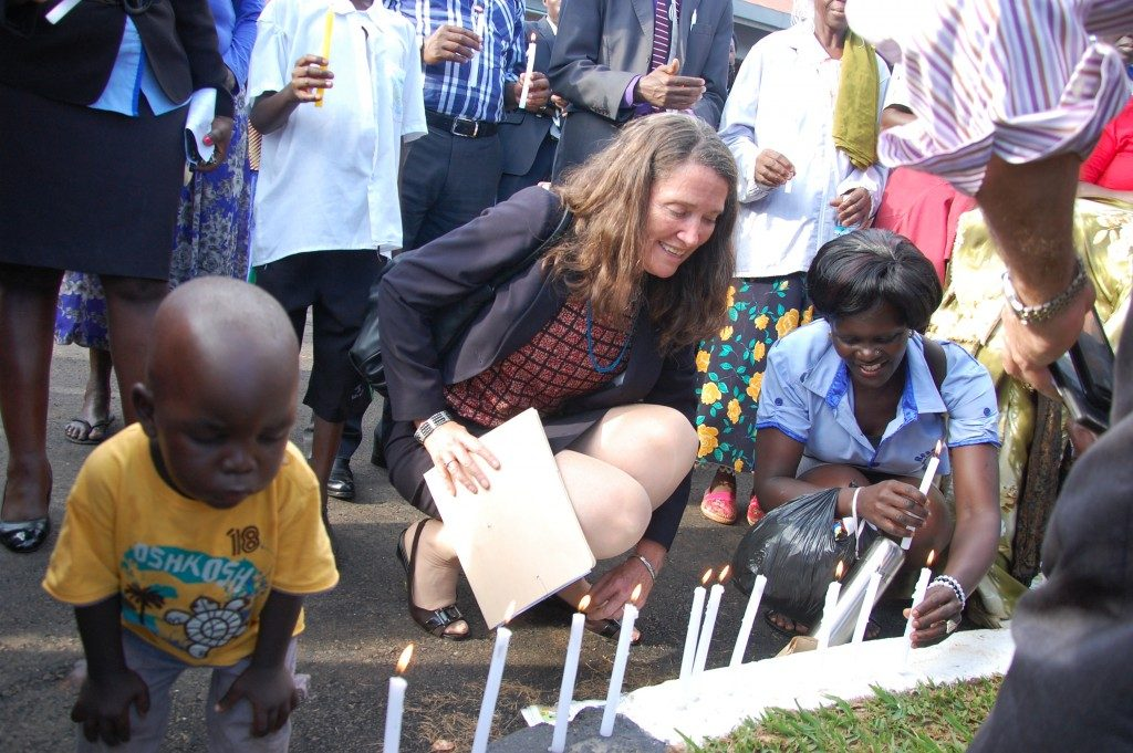 U.S. Charge d'Affaires visits ROM for World AIDS Day